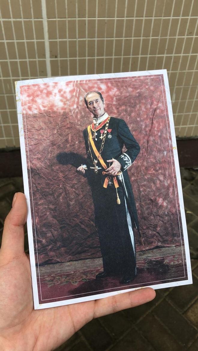 Tiết lộ túi quà mà gia tộc danh giá nhất Hồng Kông tự tay chuẩn bị cho các phóng viên ở tang lễ Vua sòng bài Macau - ảnh 3