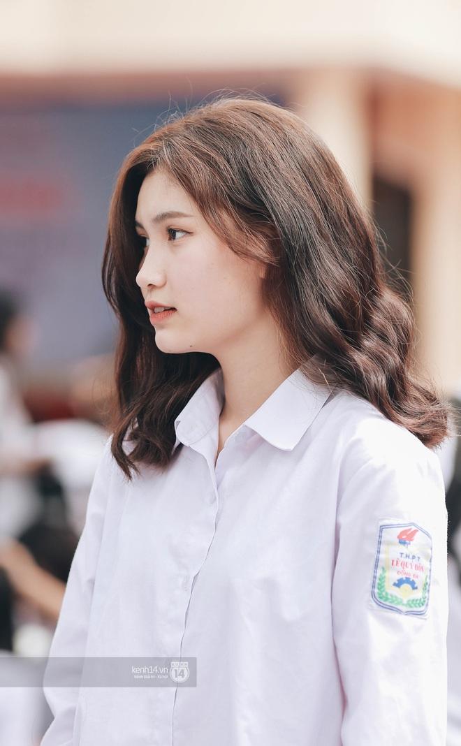 Xuất hiện ngôi trường đánh bại Phan Đình Phùng, Ams, Chu Văn An... vì dàn nữ sinh quá xuất sắc trong lễ bế giảng 2020 - Ảnh 8.