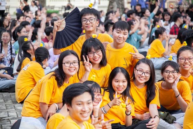 Lễ trưởng thành của lò đào tạo sao Việt tại TP. HCM: Chất lừ và đong đầy cảm xúc - ảnh 1