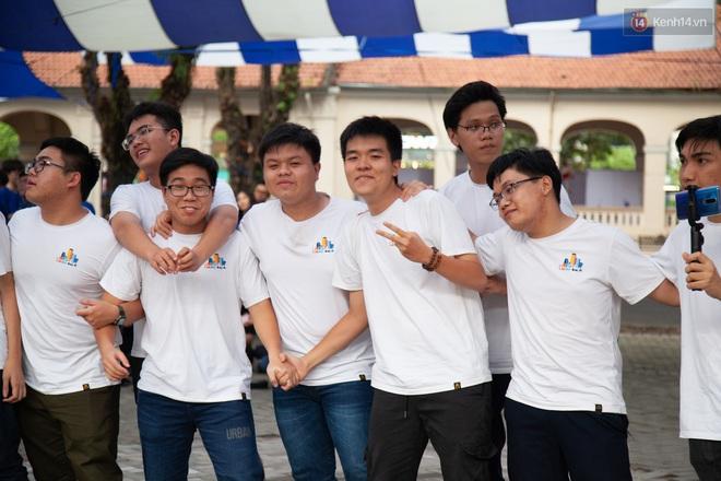 Lễ trưởng thành của lò đào tạo sao Việt tại TP. HCM: Chất lừ và đong đầy cảm xúc - ảnh 9