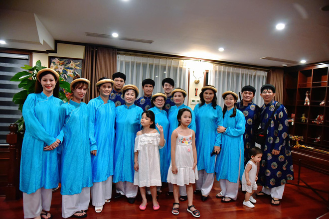 Đông Nhi quyến rũ khoe bụng lớn rõ ở tháng thứ 5 trong bộ ảnh du lịch gia đình: Phong độ nhan sắc vẫn quá đỉnh! - ảnh 5