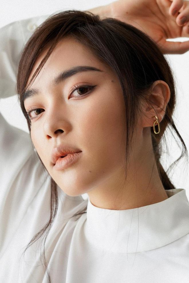 Xuất hiện ứng viên nặng kí của Hoa Hậu Việt Nam 2020: Dáng đẹp, mặt xinh, makeup tông nude đã tây còn na ná Châu Bùi - ảnh 3