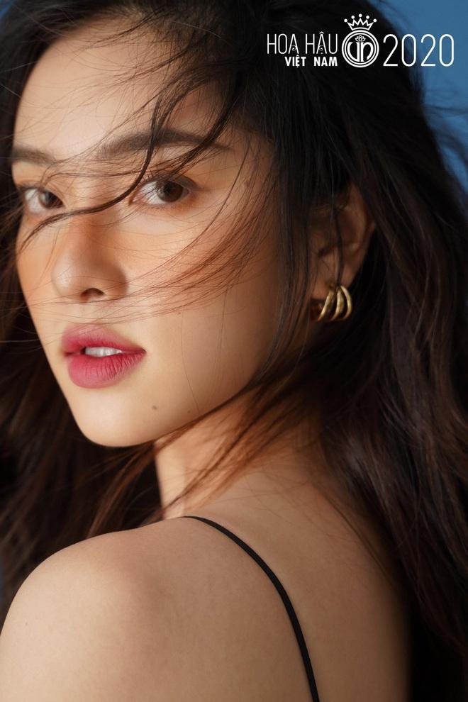 Xuất hiện ứng viên nặng kí của Hoa Hậu Việt Nam 2020: Dáng đẹp, mặt xinh, makeup tông nude đã tây còn na ná Châu Bùi - ảnh 7