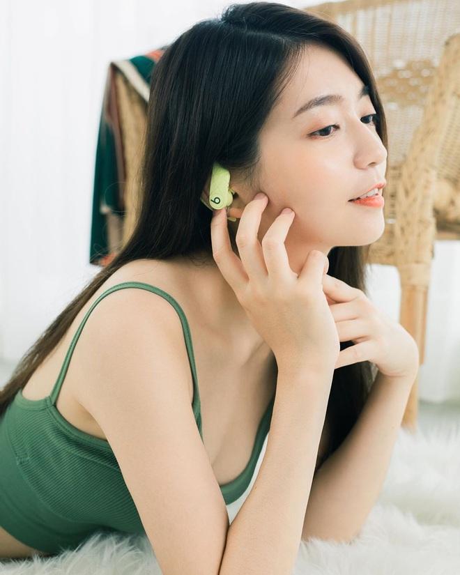 Dù dùng nước hoa loại nào, bạn vẫn sẽ thơm suốt cả ngày nếu áp dụng 5 tips hay ho - ảnh 4
