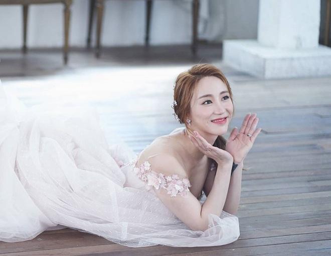 Đám cưới idol nhà SM hot nhất hôm nay: SNSD và DBSK đổ bộ, Suju - Red Velvet và cả dàn idol Gen 3 gửi video chúc mừng - ảnh 2