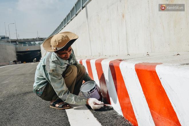 Cận cảnh hầm chui hơn 500 tỷ đồng tại điểm đen giao thông ở Sài Gòn trước ngày thông xe - ảnh 5