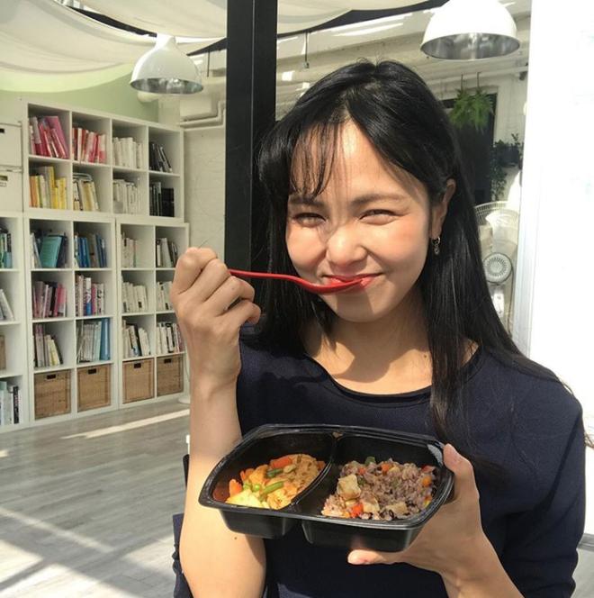 Từ 70kg xuống 50kg, cô gái Hàn chia sẻ 3 bí quyết giảm cân và 4 bài tập giúp thân dưới thanh mảnh - ảnh 9