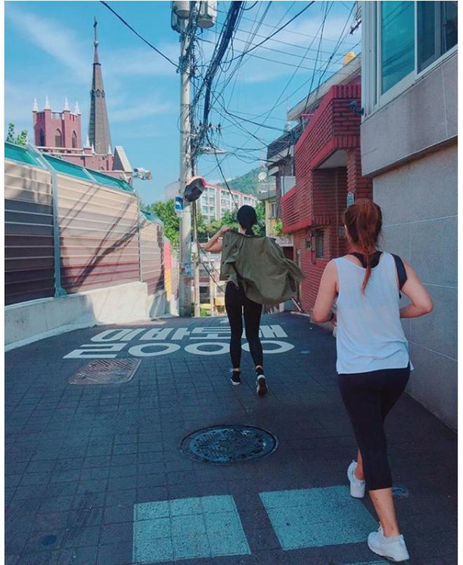 Từ 70kg xuống 50kg, cô gái Hàn chia sẻ 3 bí quyết giảm cân và 4 bài tập giúp thân dưới thanh mảnh - ảnh 15