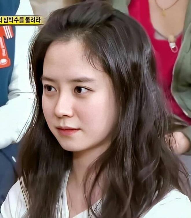 Song Ji Hyo xứng danh nữ thần mặt mộc: Ảnh không son phấn 8 năm đào lại vẫn gây nức nở vì quá xinh đẹp - ảnh 3