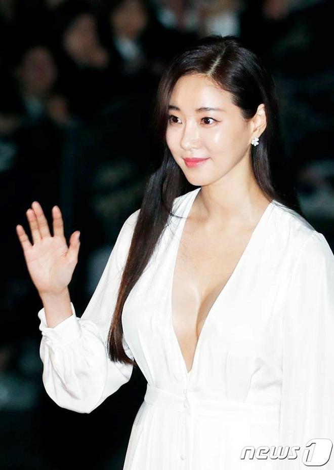 Kết cục Hoa hậu, Á hậu Hàn dính bê bối bán dâm: Tuột dốc vì tình cũ tố phục vụ 7 người/đêm, nhận gạch khi cố trở lại Kbiz - ảnh 10