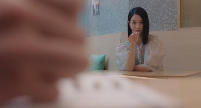 Kim Soo Hyun ghen nổ đom đóm mắt ở Điên Thì Có Sao nhưng lý do lại giống với đại úy Hyun Bin thế nhỉ? - ảnh 2