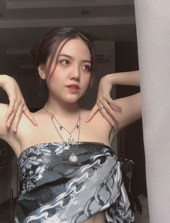 Follow gấp hội gái xinh RMIT: Đẹp thôi chưa đủ, gia đình có điều kiện vẫn tự nghĩ cách kiếm tiền - ảnh 2