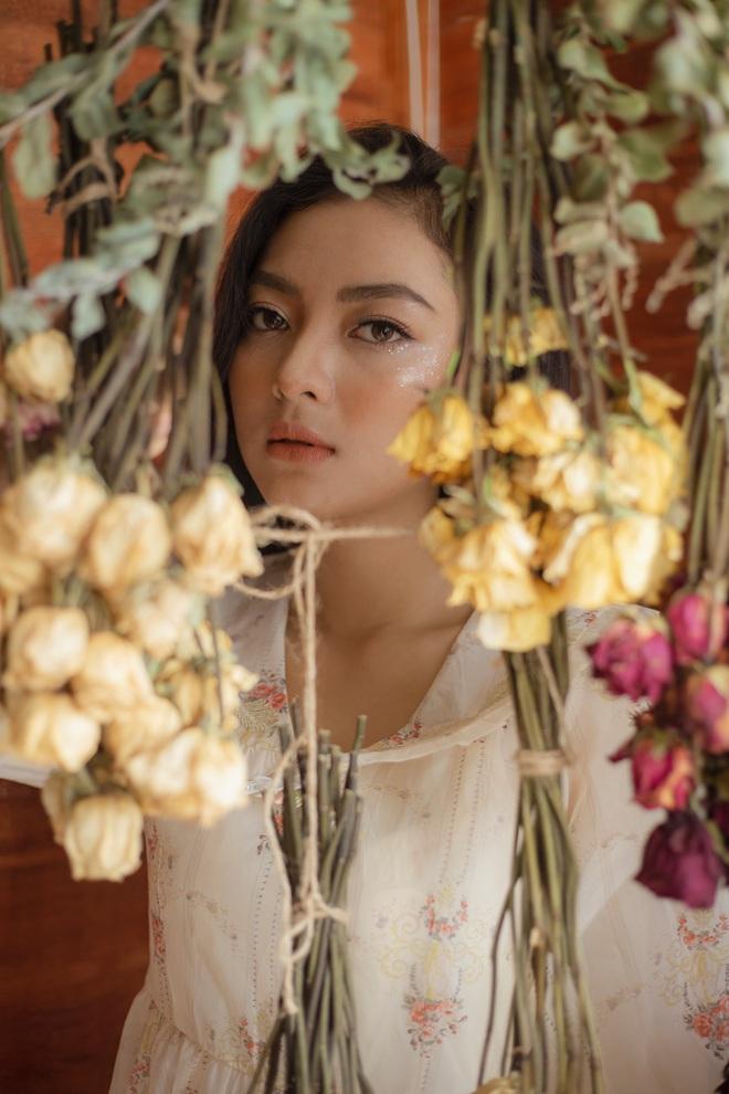 Đọ sắc 2 ứng viên Hoa hậu Việt Nam 2020: Là Hoa khôi và Á khôi của ĐH nổi tiếng, thần thái không hề trộn lẫn - ảnh 8