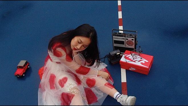 Tưởng Hoài Lâm đầu tư 1 triệu 500 nghìn làm MV đã là thấp nhất Vpop, nhưng nữ ca sĩ sinh năm 2002 phá kỷ lục ngon ơ - ảnh 1