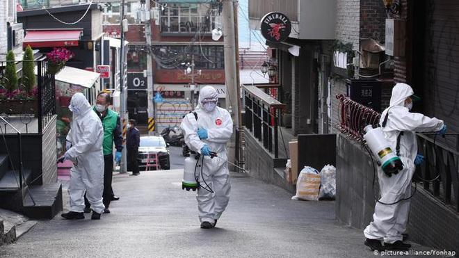 Nhật Bản và Hàn Quốc thêm ổ dịch Covid-19 nguy hiểm - ảnh 1