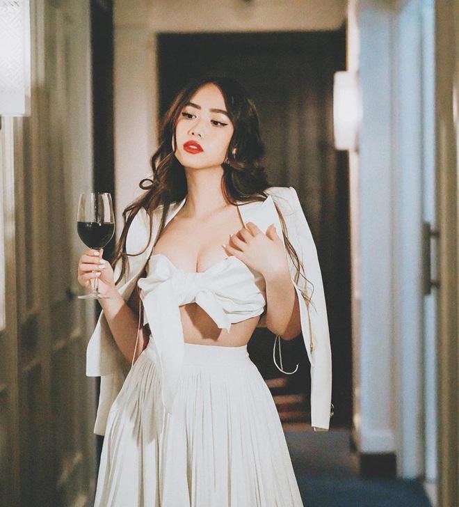 Profile khủng của nữ chính tập 11 Người ấy là ai: Từng sống ở Nga, du học tại Úc, hot beauty blogger đạt nút bạc Youtube - Ảnh 8.
