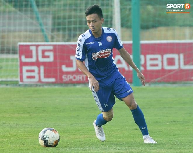 Công Phượng thể hiện kỹ năng lên bóng đỉnh như Ronaldinho - ảnh 11