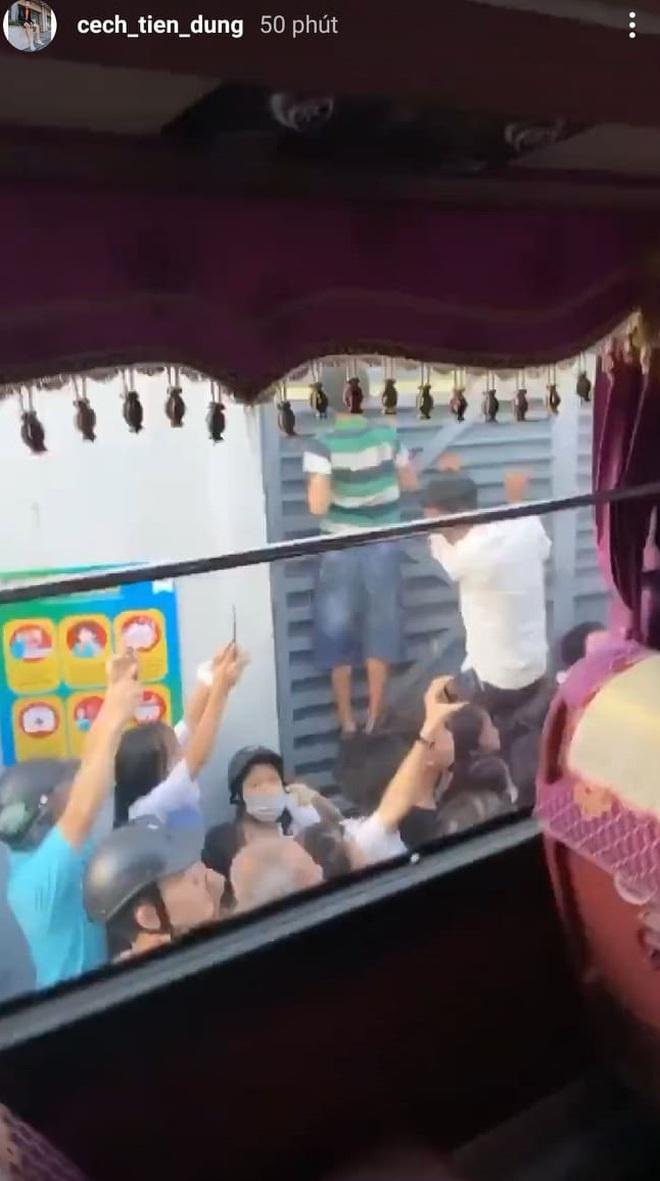 Hà Tĩnh thất thủ vì Công Phượng và đồng đội: Cổ động viên bao vây tứ phía, thành viên CLB TP HCM sốt ruột trèo tường - ảnh 5