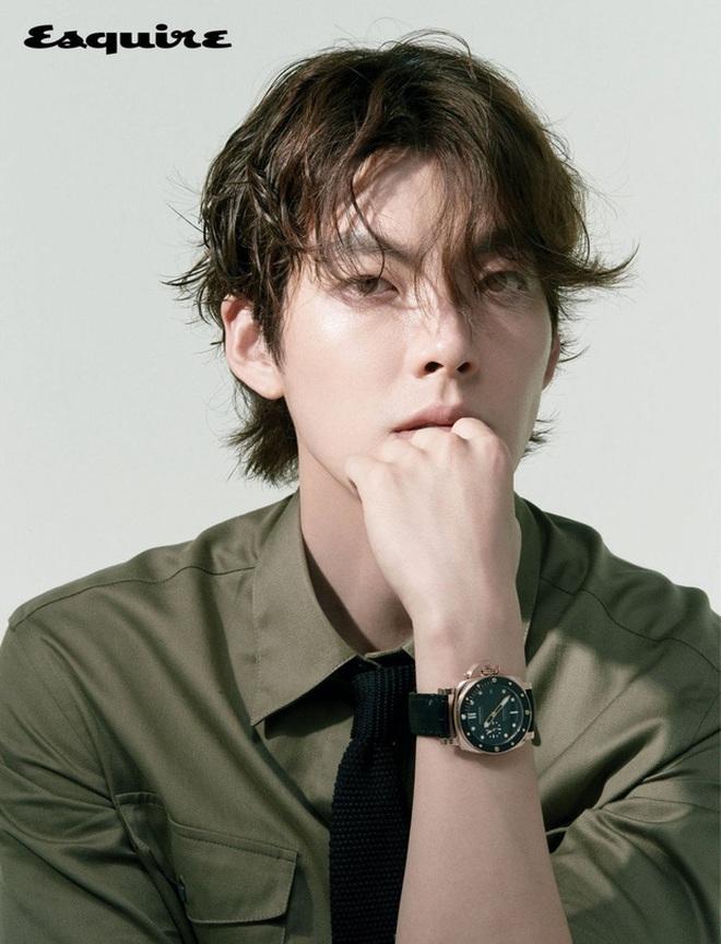 Tiệc sinh nhật Kim Woo Bin: Để mặt mộc, chẳng lên đồ vẫn bảnh, đón ngày vui ở mái nhà chung với Shin Min Ah - ảnh 9
