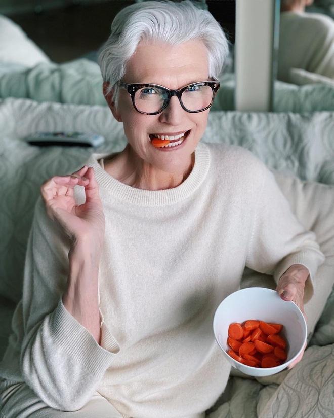 Cụ bà 72 tuổi chia sẻ 3 bước skincare quan trọng nhất cuộc đời: Mới 15 tuổi, tôi đã biết chống nắng từ đầu tới chân - ảnh 6