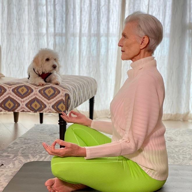 Cụ bà 72 tuổi chia sẻ 3 bước skincare quan trọng nhất cuộc đời: Mới 15 tuổi, tôi đã biết chống nắng từ đầu tới chân - ảnh 8