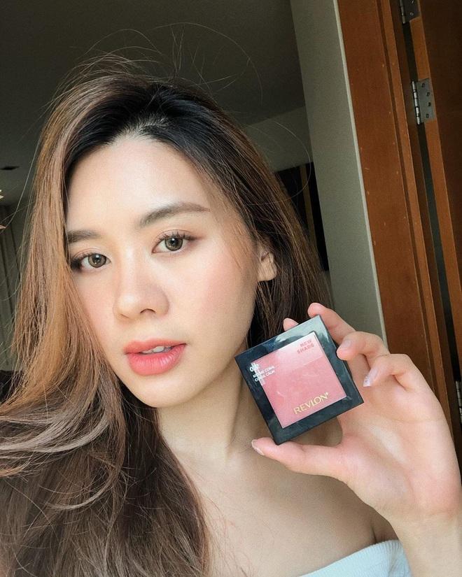 Cô bạn thân của Lisa ở Thái Lan: Nhan sắc đẹp chẳng kém idol, style đơn giản mà vẫn sexy hết nút - Ảnh 4.