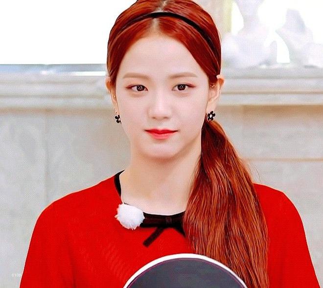 Dính nghi án bị ghẻ lạnh nhưng riêng chuyện đeo bờm, Jisoo được ưu ái nhất Black Pink, lần nào diện cũng xinh đến si mê - ảnh 5