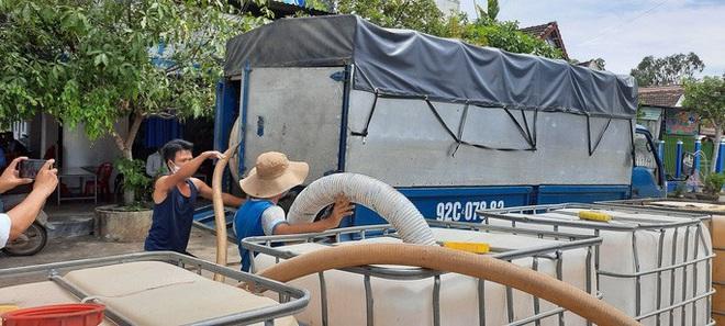 Quảng Nam: Nổ thùng hóa chất bốc mùi hôi khiến 2 người nhập viện - ảnh 2