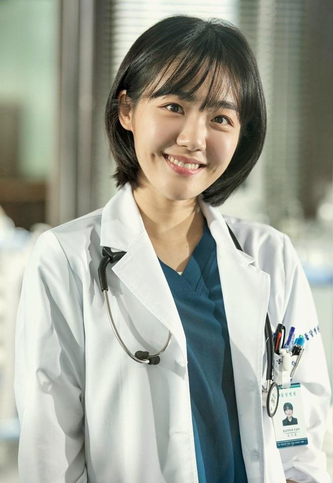 Rộ tin center X1 Kim Yohan đóng Giang Thần bản Hàn, bà con netizen nhận xét: Đẹp đấy mà không hợp! - ảnh 2