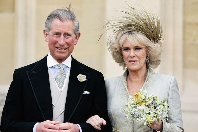Camilla Parker Bowles: Từ cô tiểu thư sinh ra đã 'ngậm thìa bạc', bà cố là nhân tình khét tiếng của Vua cho đến 'người thứ 3 bị ghét nhất nước Anh' - ảnh 8