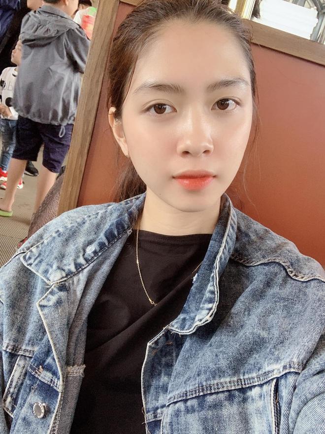 """Soi nhan sắc thật ngoài đời của dàn """"chiến binh"""" tại Hoa hậu Việt Nam 2020: Liệu có còn đáng gờm khi thiếu son phấn? - Ảnh 8."""