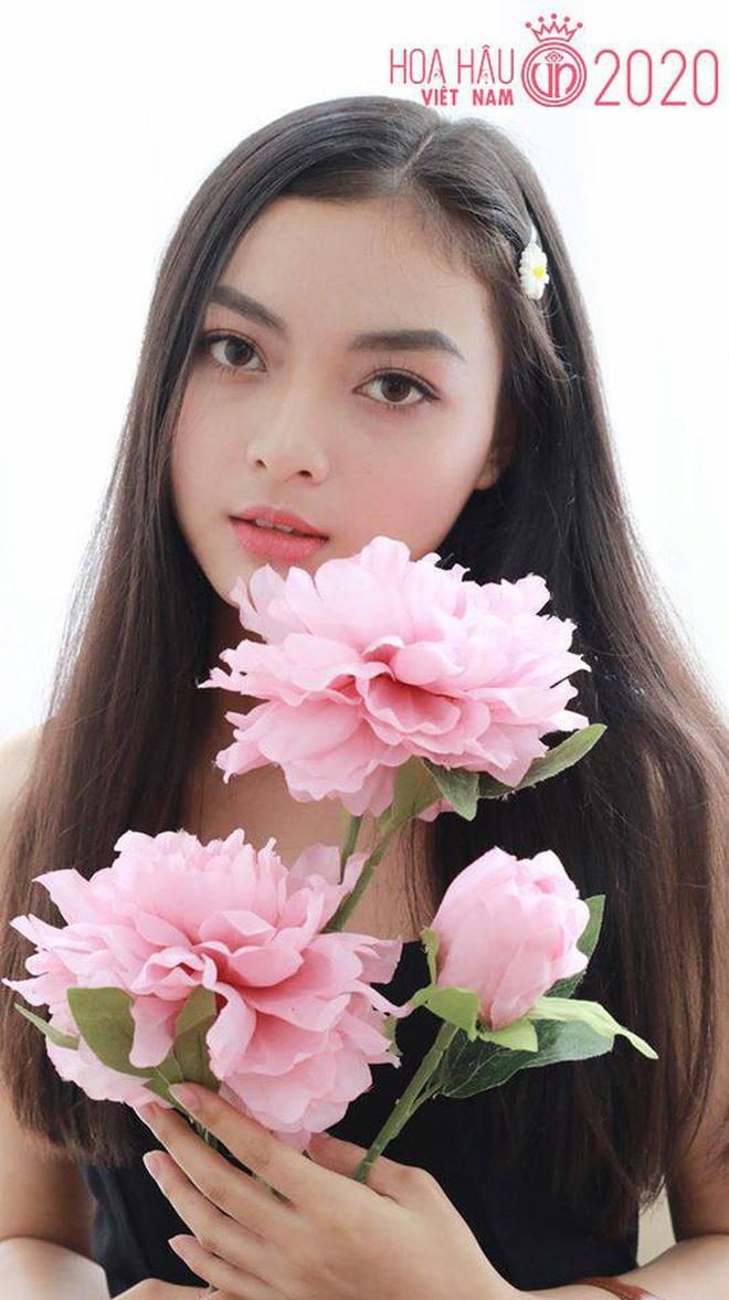 """Soi nhan sắc thật ngoài đời của dàn """"chiến binh"""" tại Hoa hậu Việt Nam 2020: Liệu có còn đáng gờm khi thiếu son phấn? - Ảnh 6."""