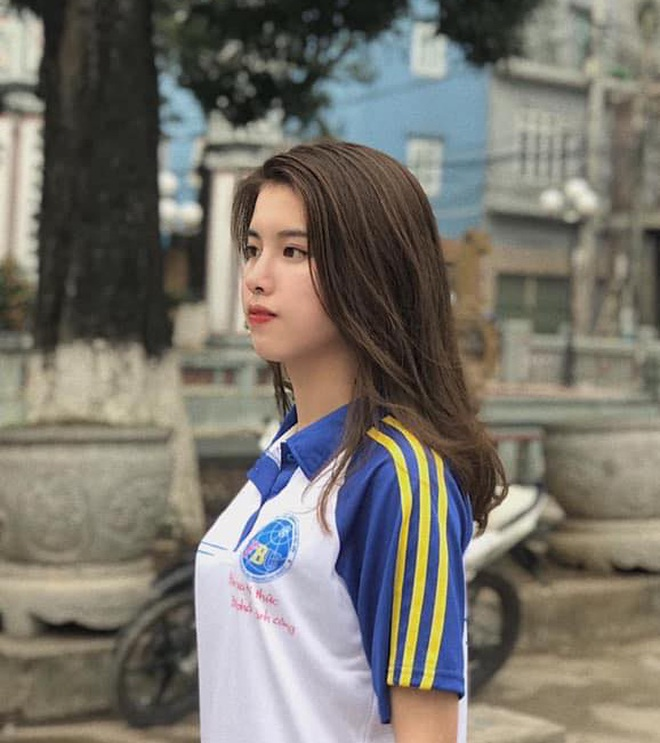 """Soi nhan sắc thật ngoài đời của dàn """"chiến binh"""" tại Hoa hậu Việt Nam 2020: Liệu có còn đáng gờm khi thiếu son phấn? - Ảnh 7."""