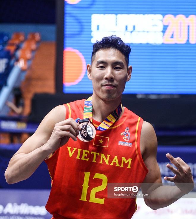 Soái ca bóng rổ xuất hiện bảnh bao trong Người ấy là ai: Gây ấn tượng mạnh nhờ chiều cao cực khủng cùng bảng thành tích thi đấu hoành tráng - Ảnh 9.