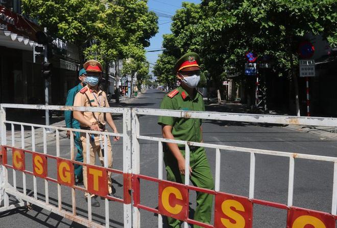 Diễn biến dịch Covid-19: 13h ngày 28/7, Đà Nẵng chính thức cách ly xã hội toàn thành phố thay vì chỉ áp dụng 6 quận - Ảnh 1.