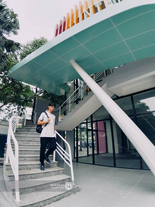 Sơn đủ 7 sắc cầu vồng xanh, đỏ, cam, vàng..., Đại học Kiến trúc Hà Nội xứng danh ngôi trường màu mè nhất Việt Nam! - ảnh 5