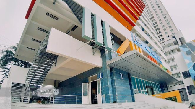 Sơn đủ 7 sắc cầu vồng xanh, đỏ, cam, vàng..., Đại học Kiến trúc Hà Nội xứng danh ngôi trường màu mè nhất Việt Nam! - ảnh 10