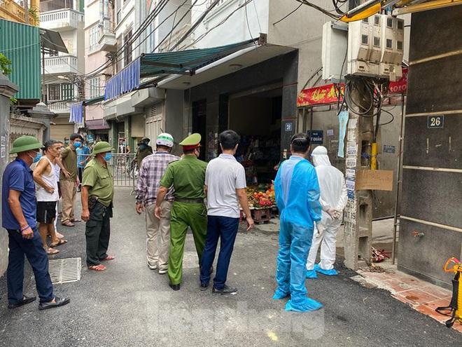 Dich Covid-19 ngày 29/7: Hà Nội phong toả khu dân cư và quán pizza, BV Quốc tế City ngưng nhận bệnh nhân sau trường hợp nghi mắc Covid-19 - Ảnh 1.