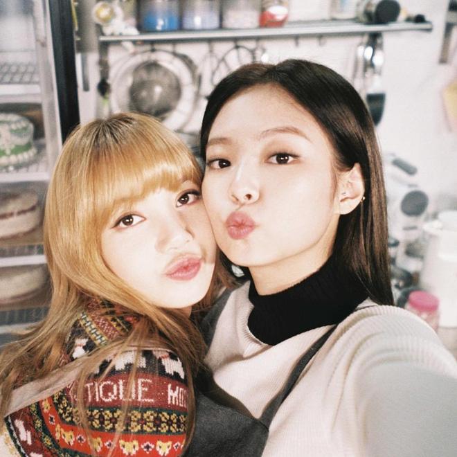 Thân là thế, Lisa và Jennie (BLACKPINK) lại nhất quyết không thể cùng đi mua sắm vì lý do chị em đều thấu - ảnh 5