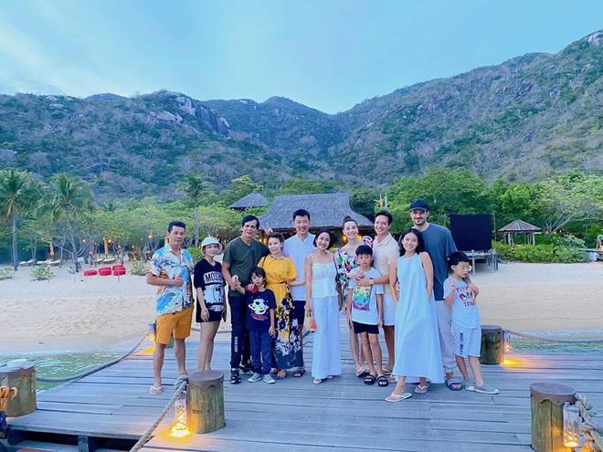 Ốc Thanh Vân hội ngộ gia đình Hà Hồ trong kì nghỉ sang chảnh, chỉ 1 câu chúc đã tiết lộ tình trạng của mẹ bầu và Kim Lý - ảnh 1