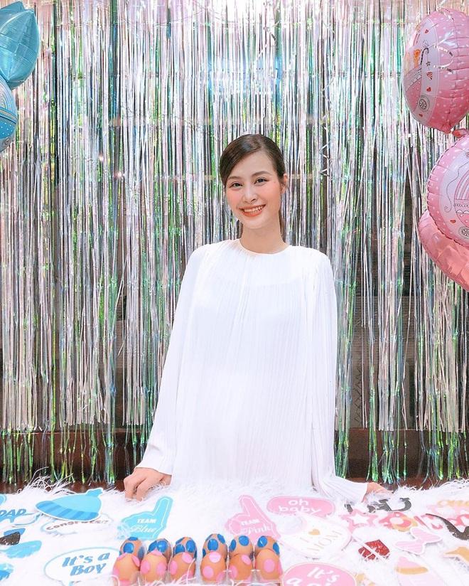 Hậu công khai giới tính con đầu lòng, Đông Nhi đã chính thức tự tay tổ chức tiệc baby shower chờ ngày vỡ chum - ảnh 2