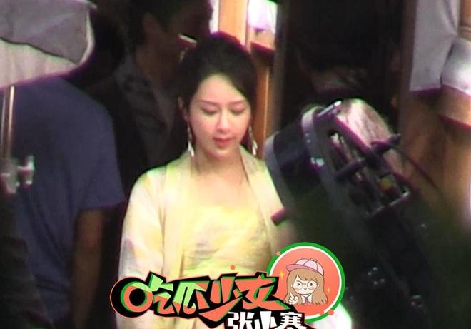 Dương Tử tiếp tục lộ khoảnh khắc siêu nhây ở hậu trường phim, netizen thắc mắc: Ngô Diệc Phàm đâu rồi ta? - ảnh 8