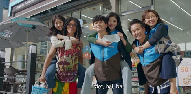 Phấn khích đòi Ji Chang Wook cõng, tiểu tam Kim Yoo Jung bị người yêu crush mời ăn dằn mặt ở tập 5 Backstreet Rookie - ảnh 15