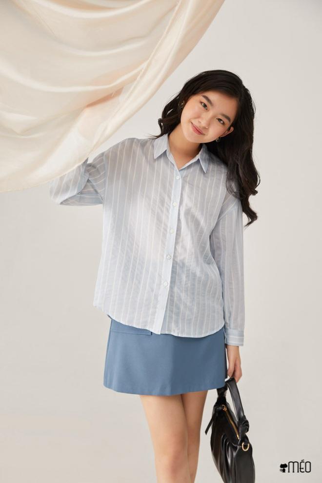 Mặc sơ mi trắng mãi rồi cũng chán, nàng công sở tìm ra thiết kế tương tự nhưng giúp chị em trẻ hơn vài tuổi - ảnh 12