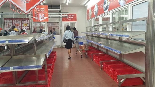 TP. Đà Nẵng: Hàng ngàn người đổ xô mua sắm, sở Công thương đưa ra khuyến cáo - Ảnh 4.