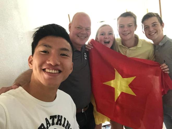 Văn Hậu tạm biệt những người thân cuối cùng tại Hà Lan và về Việt Nam vào ngày hôm nay - ảnh 1