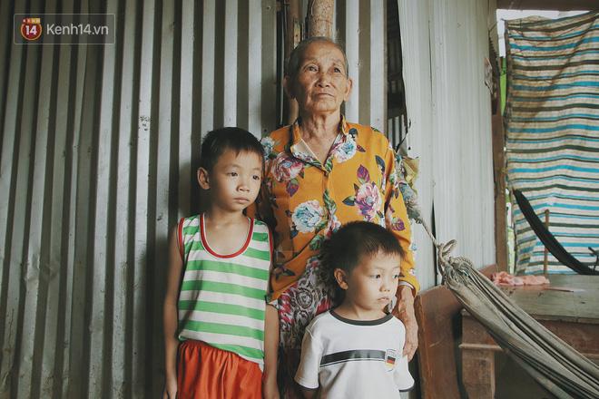 Bố mất, mẹ lặng lẽ bỏ đi khiến 2 đứa trẻ côi cút, đói ăn bên bà nội già yếu: Sao con không có bố mẹ như mấy bạn vậy nội - ảnh 6