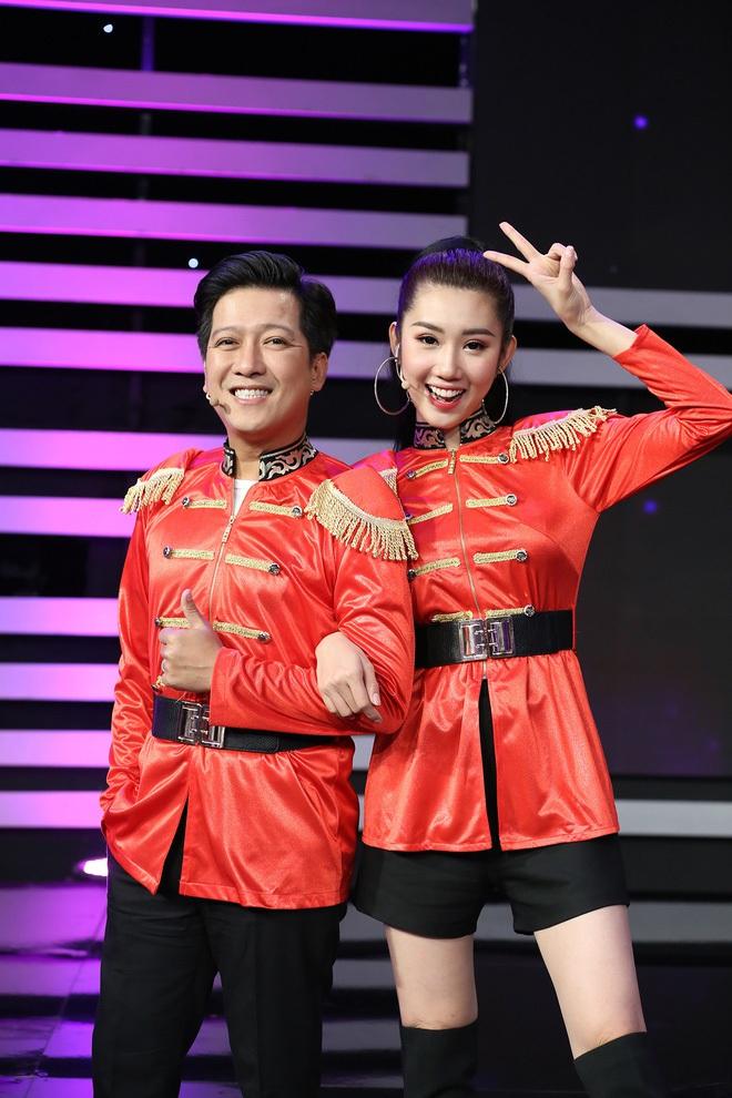 Hội sao nam Vbiz khác hẳn sau kết hôn: Ông Cao Thắng đánh dấu chủ quyền cực căng, Trường Giang thay đổi thái độ với đồng nghiệp nữ - Ảnh 7.