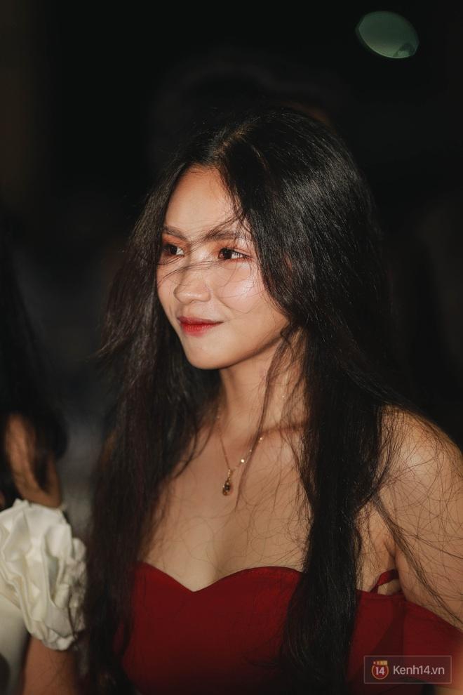 Nữ sinh Chu Văn An lột xác bất ngờ, khoe trọn nhan sắc quyến rũ trong đêm trưởng thành cho khối 12 - ảnh 10