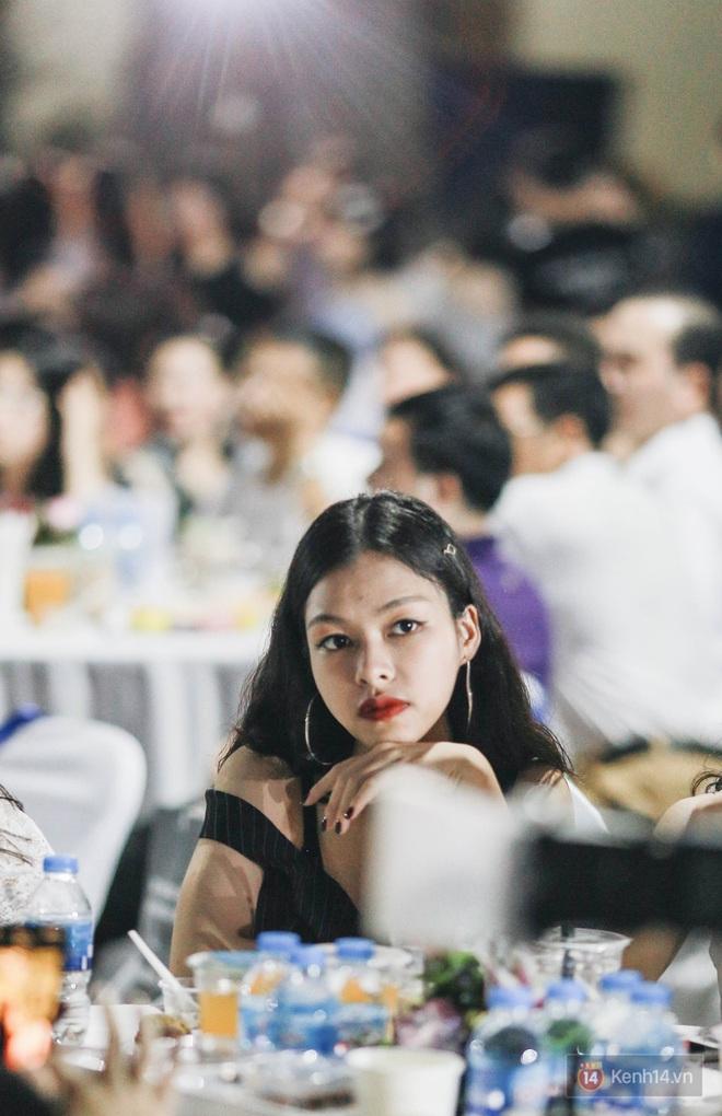 Nữ sinh Chu Văn An lột xác bất ngờ, khoe trọn nhan sắc quyến rũ trong đêm trưởng thành cho khối 12 - ảnh 4